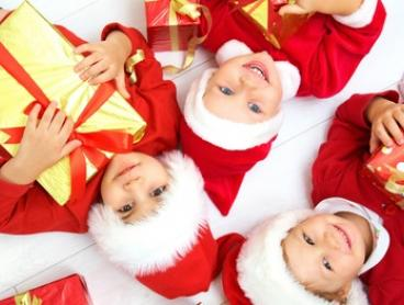 $20 for Christmas Photoshoot Package with 20 x 25 cm Print and $250 Credit at Natural Portrait Photography (Up to $750)