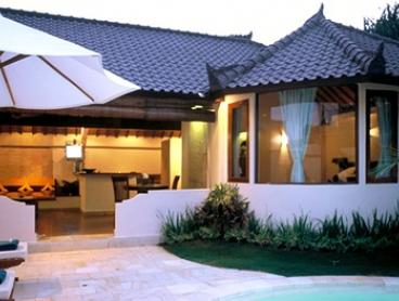 Seminyak: Up to Seven Nights for Two with Breakfast, Airport Transfer and Welcome Drinks at 4* Dyana Villas