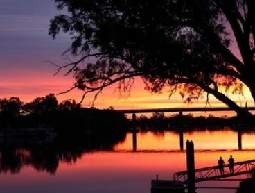 Berri, Riverland: 1- or 2-Night Getaway for Two or Four People with Wine and Late Check-Out at Berri Hotel