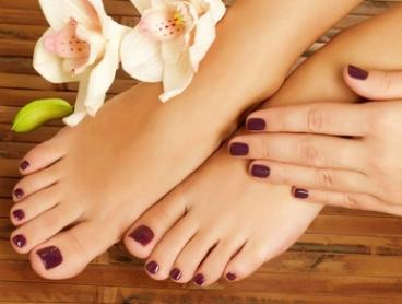 Gel Polish Manicure ($19), Pedicure ($25), or Both ($39) at Luxuria Salon (Up to $80 Value)