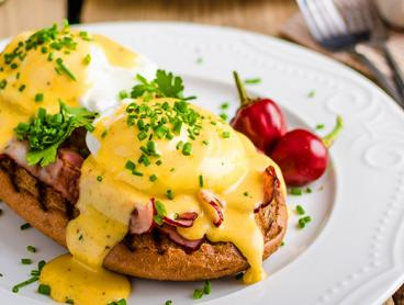 Just $27 for Breakfast or Lunch for Two People in Burleigh Heads with a Drink Each (Valued Up To $55.60)