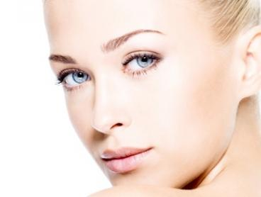 One ($69) or Three ($149) E-Light Facial Skin Rejuvenation Session at Artfully Polished (From $199 Value)