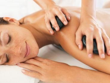 Spa Package with Lunch and Bubbles for 1 ($189), 2 ($375) or 4 People ($749) at Luxe on Kensington (Up to $1,784 Value)