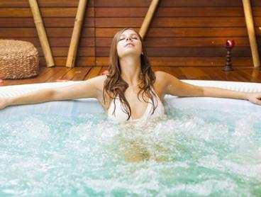 Relaxing Private Cabin Spa Experience for 1 ($39), 2 ($75) or 4 People ($145) at Luxe on Kensington (Up to $318 Value)