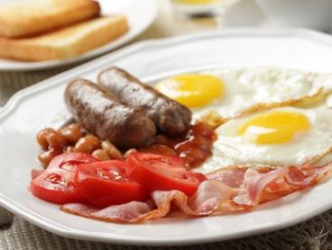 $40 for Breakfast Buffet with Coffee + 2 Hrs of Parking for 2 People at Baygarden Restaurant (Up to $92 Value)