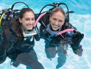 RAID ($199), Beginner's PADI ($229) or Advanced PADI Course ($249) with Dive Imports Australia (Up to $395 Value)