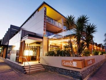Narrabeen: 1-, 2-, or 3-Night Getaway for Two with Breakfast, Drinks & Late Check-Out at Quality Hotel - The Sands Hotel