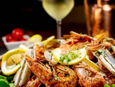 Seafood Platter: 2 ($45) or 4 Ppl ($89), to Add Wine: 2 ($55) or 4 Ppl ($109), South Street Ale House (Up to $168 Value)