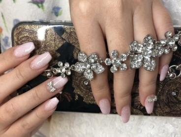SNS Express Manicure with Powder Nails ($36), or PolyGel Express Manicure ($39) at Stunning Nails (Up to $62 Value)