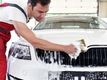 Exterior Wash ($10), Superior Wash + Polish ($39) or Mini Detail ($99) at Clearwater Thornbury (Up to $199 Value)