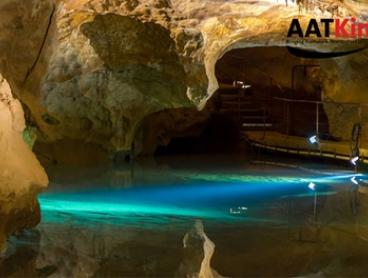Blue Mountains and Jenolan Caves Tour: Child ($49), Adult ($119), or Two Adults ($235) with AAT Kings (Up to $358 Value)