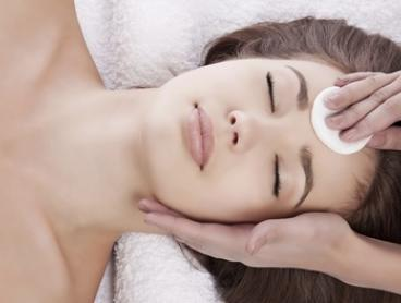 $35 for 30 Minutes of LED Light Therapy, or $75 with 75-Minute Facial at Advanced Aesthetic Concepts (Up to $250 Value)