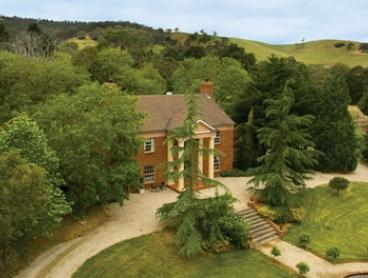 McLaren Vale: Romantic Spa Suite Escape for Two with Breakfast and Late Check-Out at The Manor Estate, South Australia