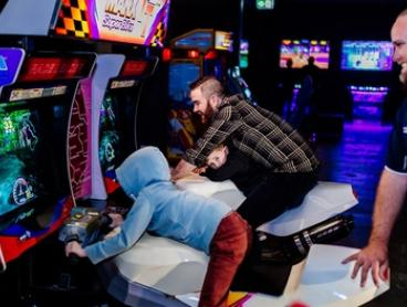 1 Day of Unlimited Arcade or Pinball Play for 1 ($10) or 2 Ppl ($19) or Both for 1 ($19), 2 Ppl ($35) at 1UP Arcade