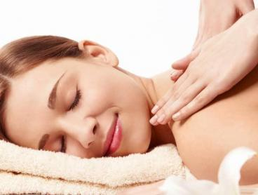 Pamper Packages with Bubbly at a High-End Kensington Day Spa