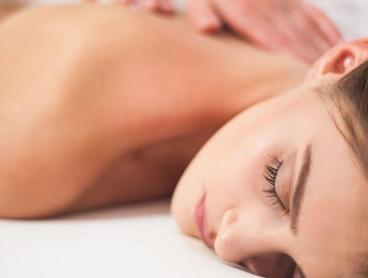70-Minute Detoxifying Pamper Package in the CBD