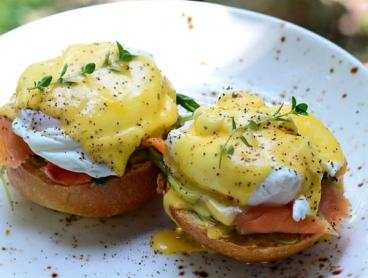 All-Day Breakfast or Lunch with a Drink Overlooking Currumbin Beach from $14