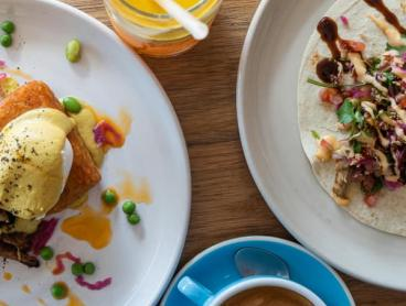 All-Day Breakfast or Lunch with Drinks at Ivanhoe Favourite