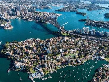 One-Hour Scenic Flight Over Sydney Harbour or Blue Mountains