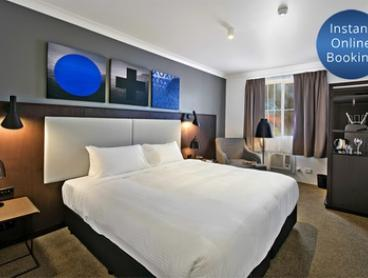 Sydney: One-Night Stay for Two People with Drinks and Option for Breakfast at Quality Hotel CKS Sydney Airport