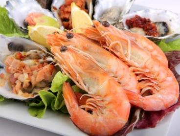 $49.90 for All-You-Can-Eat Seafood Buffet for One Person at Baygarden Restaurant (Up to $85 Value)