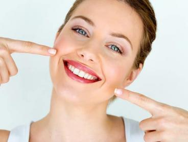 Brighten Your Smile with In-Chair Teeth Whitening in Broadbeach
