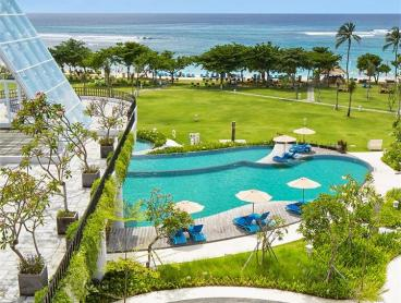Award-Winning Indulgence on One of Bali's Most Famed Beachfronts