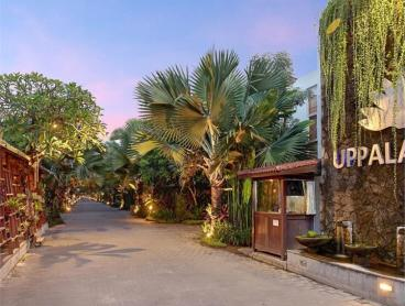 Seminyak Townhouse-Style Villa with Daily Meals, Massages & More