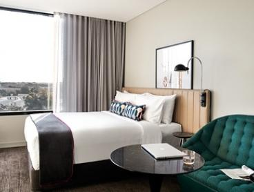 Sydney: 1- or 2-Night City Break in Studio for Two or Four with Wi-Fi and Late Check-Out