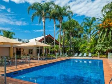 Mildura: 2 or 3 Nights for Two with Wine, Chocolate and Late Check-Out at Mildura Inlander Resort