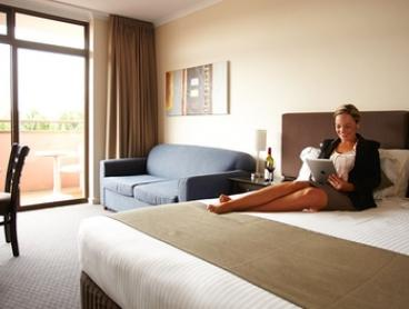 Adelaide: 1-Night in Standard or Executive Room for 2 People with Late Check-Out at Adelaide Meridien Hotel & Apartments