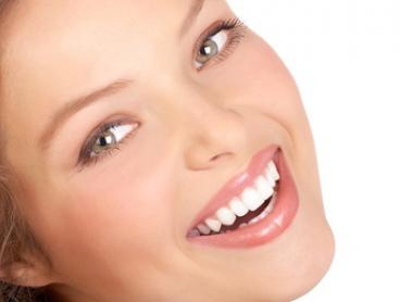 Teeth Whitening: 30 ($39), 45 ($69) or 60 Minutes ($99) at Epigenesis Clinic (Up to $199.20 Value)