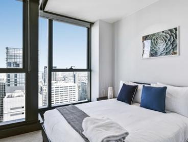 Melbourne: 1 or 2 Nights for Two or Four People with Late Check-Out and Wine at Serviced Apartments Melbourne - Eporo