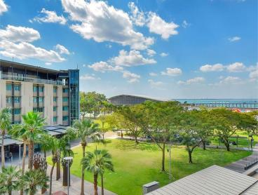 Modern Apartment Escape on Darwin's Waterfront