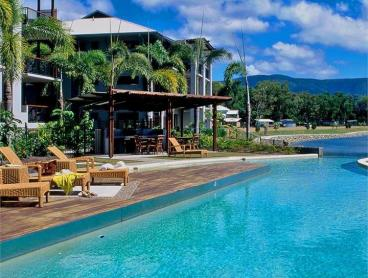 Relaxing Apartment Escape in Tropical Cairns