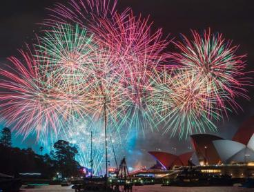 Australia Day Cruises with Canapes + Bubbles